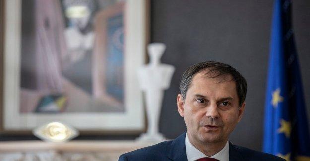 Griego ministro de turismo, dice que todos los visitantes extranjeros de bienvenida