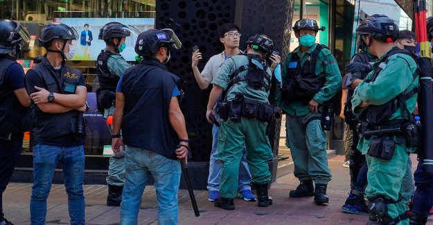 Hong Kong, la policía arresta a decenas de manifestantes en medio de China examen del proyecto de ley de seguridad nacional