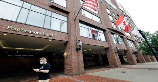 Illinois hoteles recuperándose de coronavirus encierros exhorto al gobernador para ampliar la convención de las capacidades