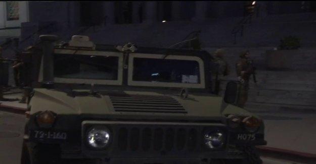 LA hombre con alijo de armas supuestamente suplantado la Guardia Nacional soldado protege contra George Floyd disturbios