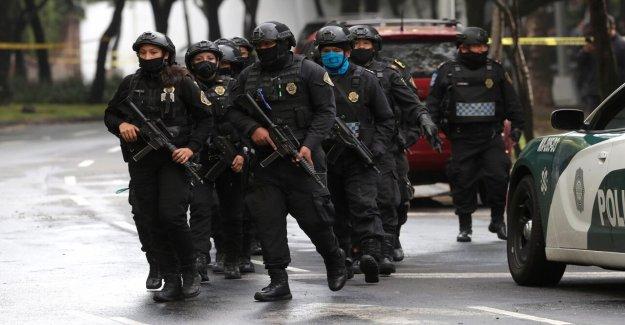 La Ciudad de méxico el jefe de policía herido en intento de asesinato; 3 muertos