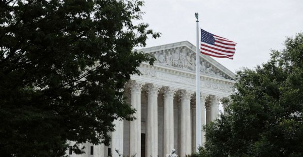 La Corte suprema de presidente da más control sobre la Oficina de Protección Financiera del Consumidor