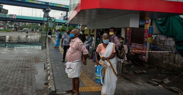 La India con precaución abre incluso como coronavirus casos de aumento