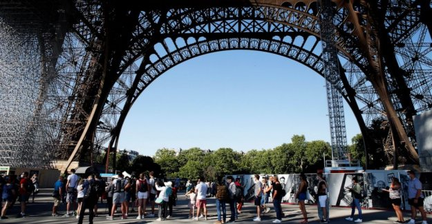 La Torre Eiffel se vuelve a abrir, terminando 104-día coronavirus apagado