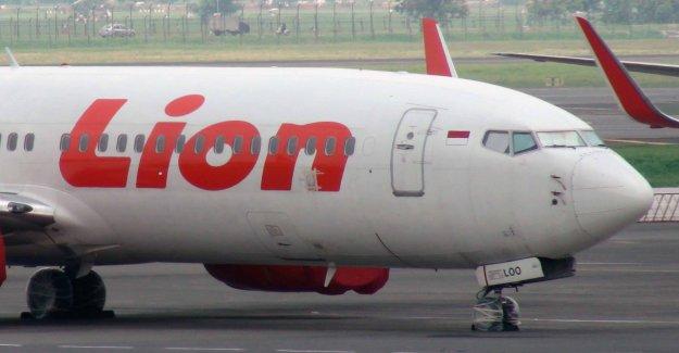 La aerolínea se detiene todo el servicio sólo días después de su reapertura como muchos de los pasajeros no podían seguir COVID-19 reglamento