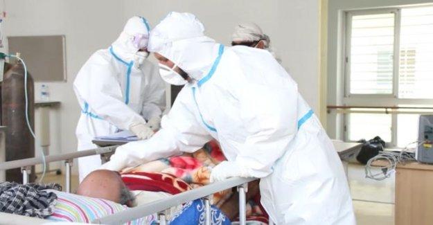 La guerra de golpe Afgano hospitales desbordados por Covid-19