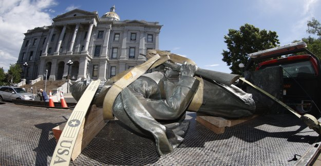 La policía de Colorado detención 3 después de la Guerra Civil pedestal de la estatua se prendió fuego