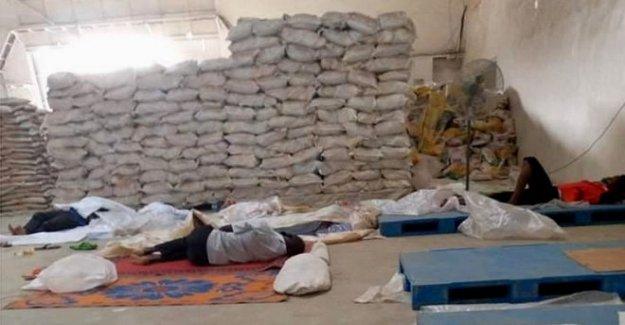 La policía de rescate de 300 trabajadores encerrados en el arroz de la fábrica '