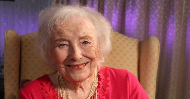 Las fuerzas de Cariño Dame Vera Lynn muere edad de 103