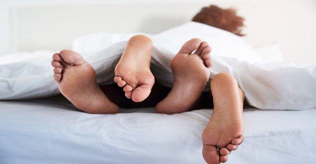 Las parejas deben usar máscaras durante las relaciones sexuales, nuevo estudio insiste
