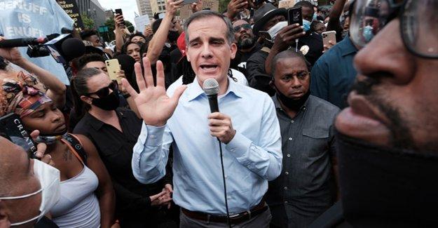 Los Ángeles propone recortar el cumplimiento de la ley de presupuesto, incluyendo la eliminación de Víctimas Especiales de la Oficina de