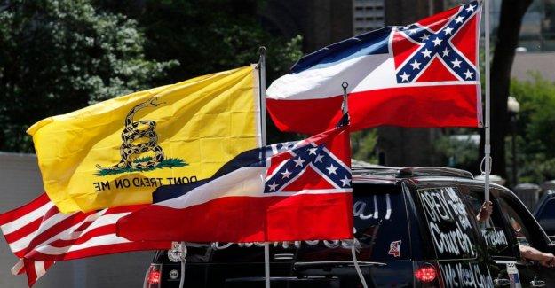 Los bautistas y Walmart criticar a los rebeldes de temática Mississippi bandera