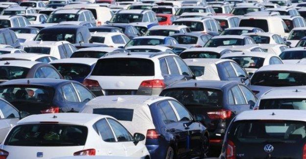 Los concesionarios de automóviles preocupados de los compradores ir a Inglaterra