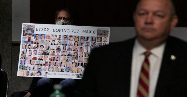 Los legisladores rip de la FAA para no divulgar los documentos en un Boeing Max