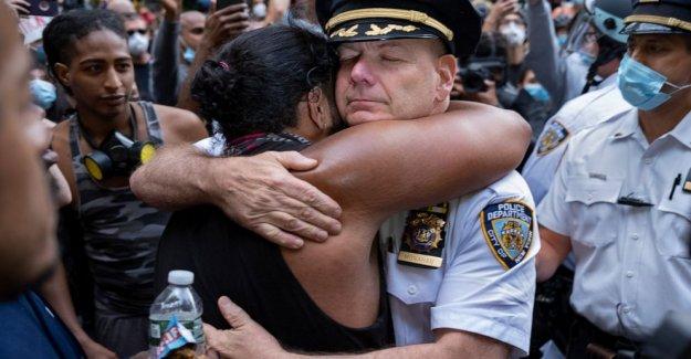 Macy's hit como Nueva York impone el toque de queda en medio de protestas Floyd