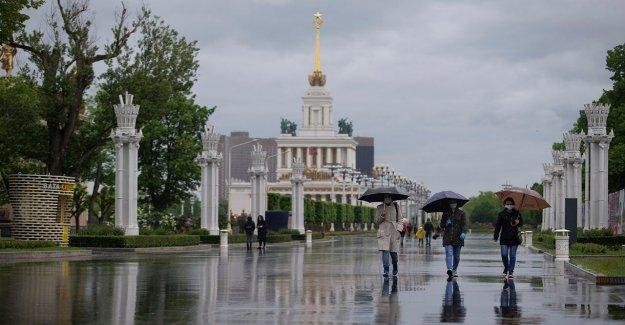 Moscú facilita coronavirus de bloqueo después de 9 semanas, algunas empresas permitió reabrir