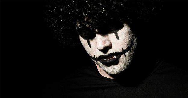 NJ hombre en 'Joker' de maquillaje supuestamente amenaza a los adolescentes con el cuchillo