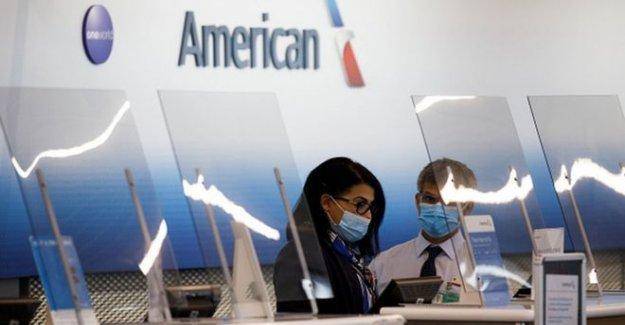NOSOTROS los pasajeros de líneas aéreas eliminado por no llevar la máscara