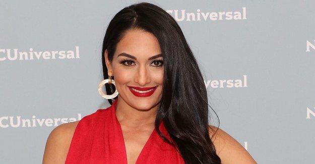 Nikki Bella en posponer su boda debido a coronavirus preocupaciones: La incertidumbre me mata'