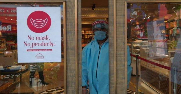 Nueva Delhi enfermeras protesta como grietas muestran en la India cuidado de la salud