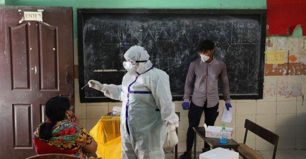 Nueva Delhi planes de cribado masivo esfuerzo como casos del virus de sobretensiones