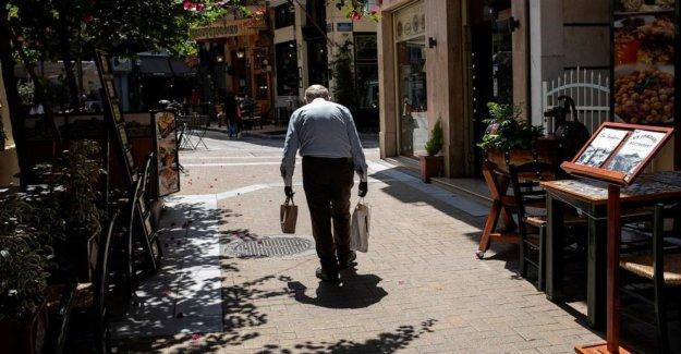 Pandemia lanza el presupuesto de Grecia fuera del objetivo, duele recuperación