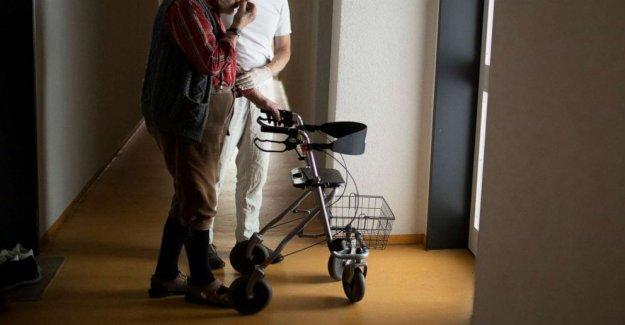 Para 2 tipos de senior living hogares enfrentan coronavirus, una enorme disparidad en el apoyo federal