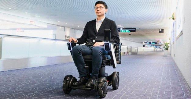Personal de la movilidad de la máquina, no necesita la ayuda en el aeropuerto de Tokio