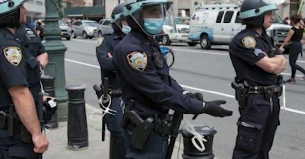 Pide barandales en la policía de la unión de la negociación colectiva crecer en medio de la reforma de la demanda