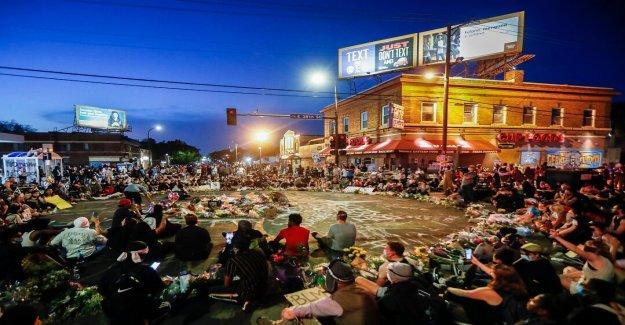 Propietario de Minneapolis tienda que llamó a la policía por George Floyd dice que él no lo va a hacer en el futuro