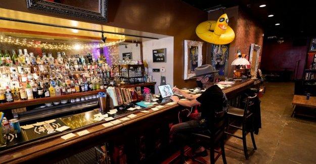 Propietarios de bares de la preocupación como el virus de sobretensiones en sus lugares de trabajo