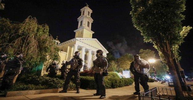 Rector de la iglesia cerca de la Casa Blanca en llamas la noche del domingo dice que el daño podría haber sido mucho peor
