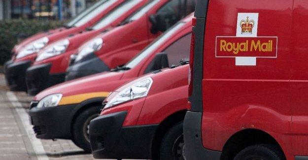Royal Mail fijados para cortar de 2.000 empleos de gestión