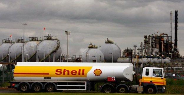 Shell toma $22bn activos de un golpe en los bajos precios del petróleo