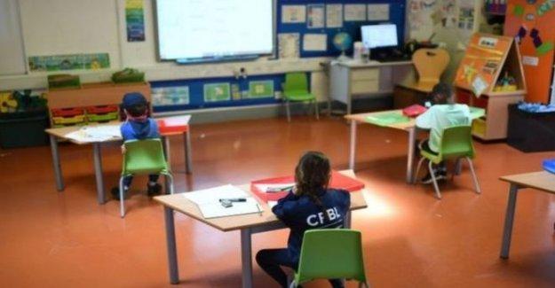 Son alumnos en la escuela durante tres o cuatro semanas?