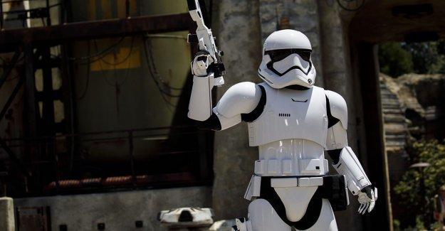 'Star Wars' Stormtroopers ahora patrullaje de Disney Springs, la aplicación de distanciamiento social de protocolo