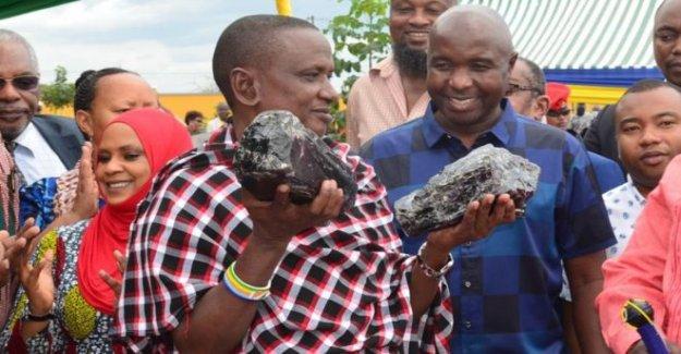 Tanzania minero se convierte en millonario de la noche a la mañana