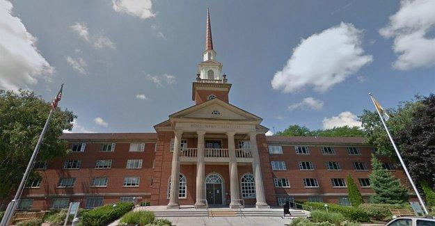 Wisconsin sacerdote dice la amenaza de una multa de $1.000 para la celebración de los servicios de más de 50 personas es delgada excusa para reprimir la iglesia'