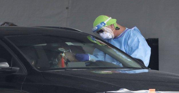 12 la Florida de operaciones de emergencia de los empleados de una prueba positiva para el coronavirus, centro cierra temporalmente para la limpieza de