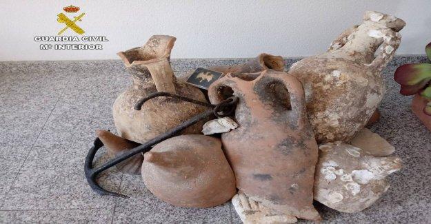 13 de los Romanos antiguos frascos de encontrar en español mariscos de la tienda, la policía dice que