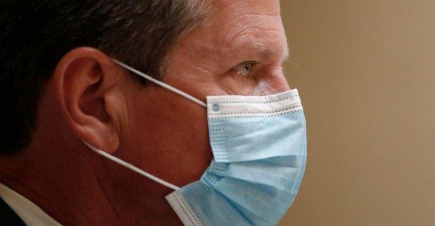 2 jueces en demanda de más de Atlanta máscara de la regla se excluyan