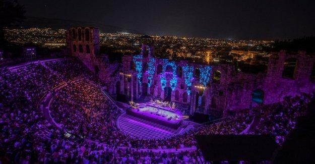 AP FOTOS: griego Antiguo teatros de retorno a la vida en pandemia