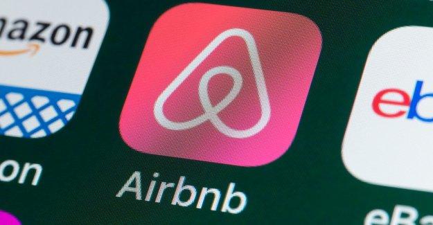 Airbnb criticado en los medios sociales después de 'sordo' correo electrónico le pide a los usuarios a donar para los ejércitos: 'Esto es una locura'