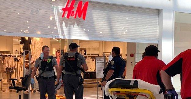 Alabama centro comercial de disparo mata a niño, de 8 años, heridas a otras 3 personas