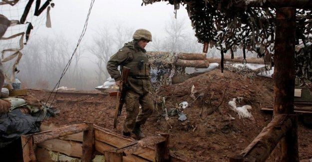 Alto el fuego en la guerra desgarrado el este de Ucrania para comenzar a medianoche