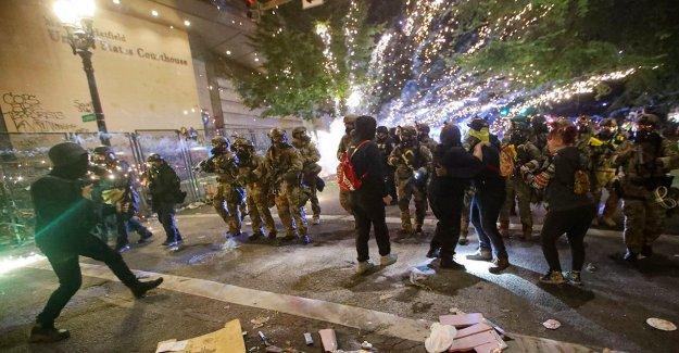 American caos: Más disturbios y caos en las ciudades a través de NOSOTROS