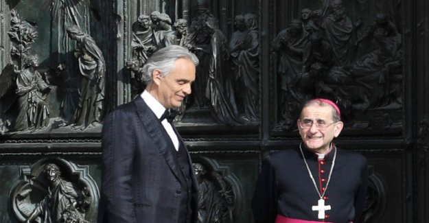 Andrea Bocelli, quien había COVID, dice bloqueo humillado
