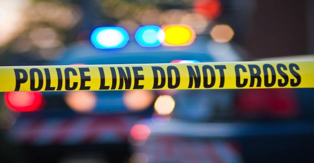 Arkansas agente de policía acusado después de que su colega de la muerte a tiros en su puerta