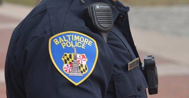 Baltimore pro-policía de la multitud que asiste a la #plataformas de observación rally en la ciudad del monumento a la guerra de