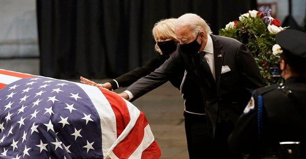 Biden vuelve a DC para decir adiós a John Lewis
